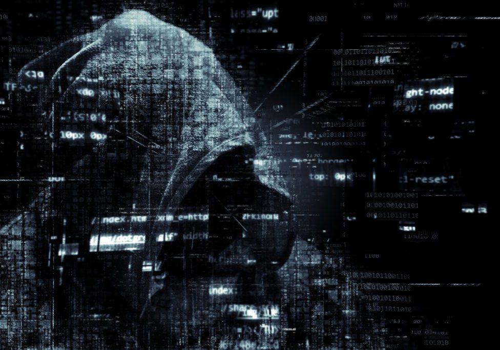 hacker-2300772_1920-1024x683
