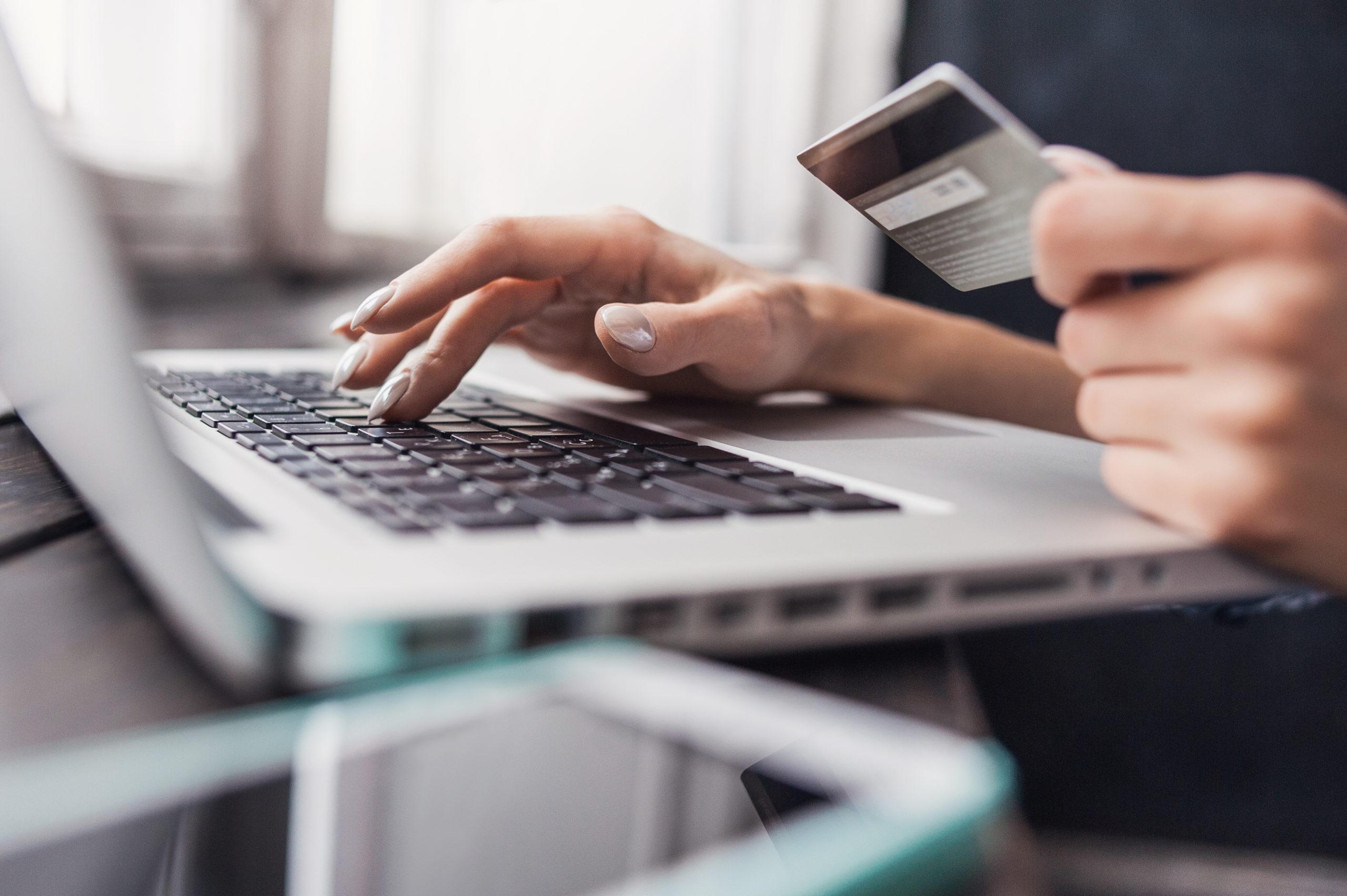 online shopping holidays